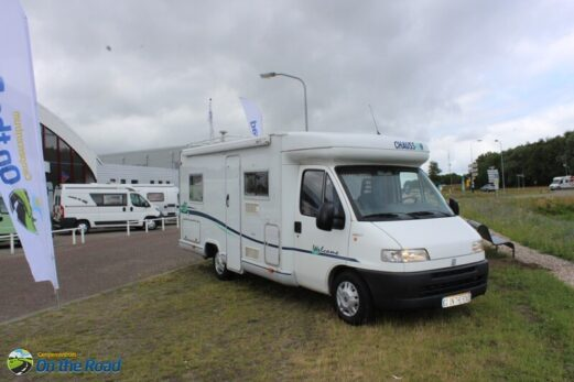 Chausson  Welcome 80  ,vastbed, 4 pers dinette,   aut. schotel ,  2 zonnepanelen.
