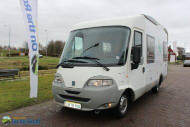 Knaus  Travel-liner  640  2.8 i.d.TD  , Vastbed  &  Hefbed  , 2 draaibare stoelen voor ,  L-zit.