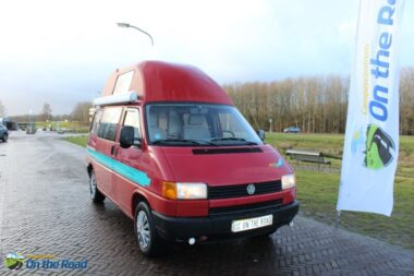 VW  T4  2.4  5 cil.   Carthago  Malibu ,  Buscamper  met  verhoogd  vastdak ( 4 pers.) , Bj. 1991