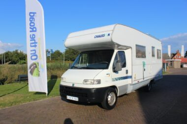 Chausson Alkoof 2.5 TDI 116 pk, Treinzit, Dinette, 6 pers rondzit achter